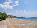 Verlaten zand kiezelstrand aan de westkust - Eiland Chios