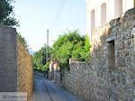 Kambos, hoge muren overal foto 2 - Eiland Chios